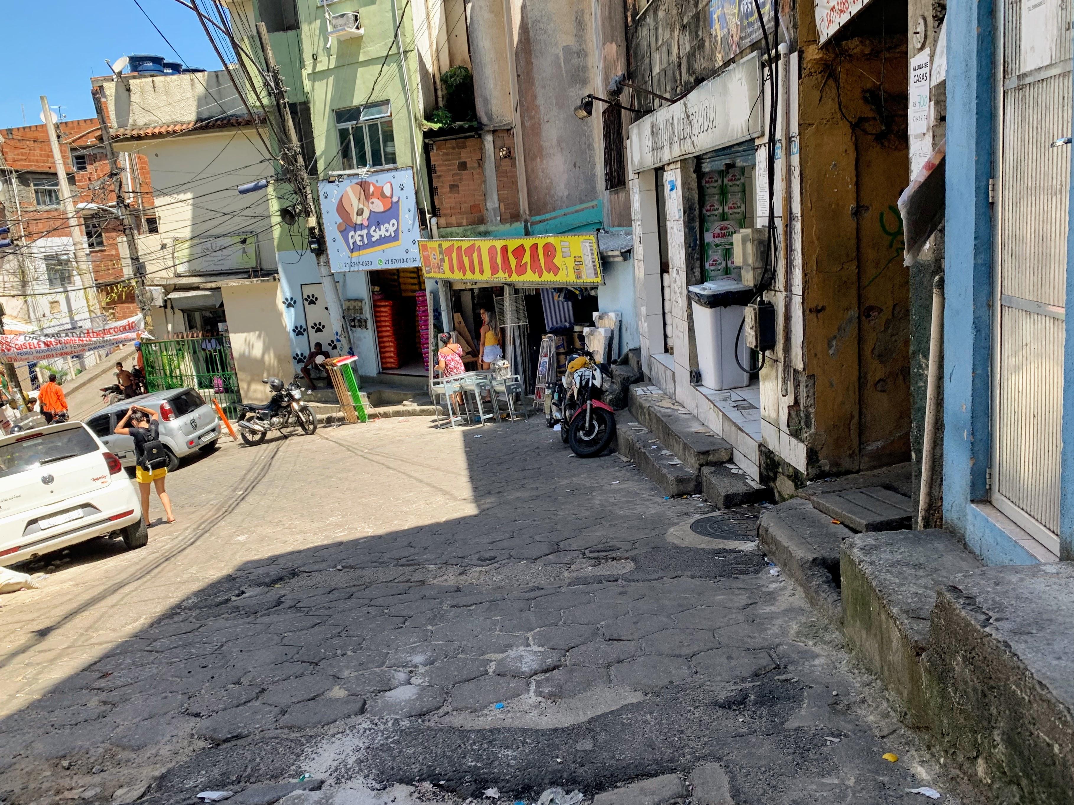 favela streets in rio de janeiro