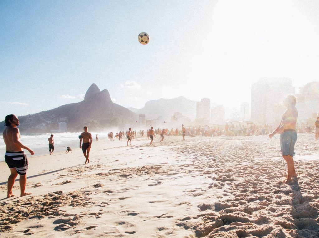 Find out which are the best areas and accommodations in Rio de Janeiro. Check out places for every traveler preference, from budget to high-end.