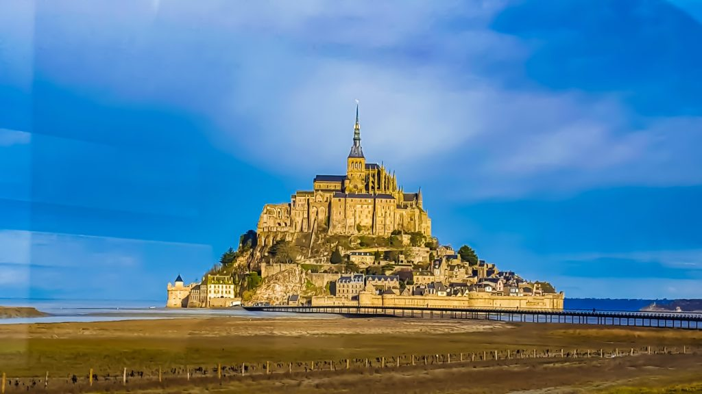 Find out the European countries that are open and which require a COVID-19 test prior to arrival - Mont-Saint-Michel, France