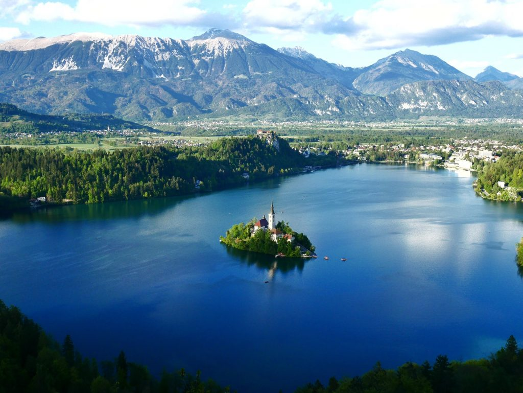Find out the European countries that are open and which require a COVID-19 test prior to arrival - Lake Bled, Slovenia