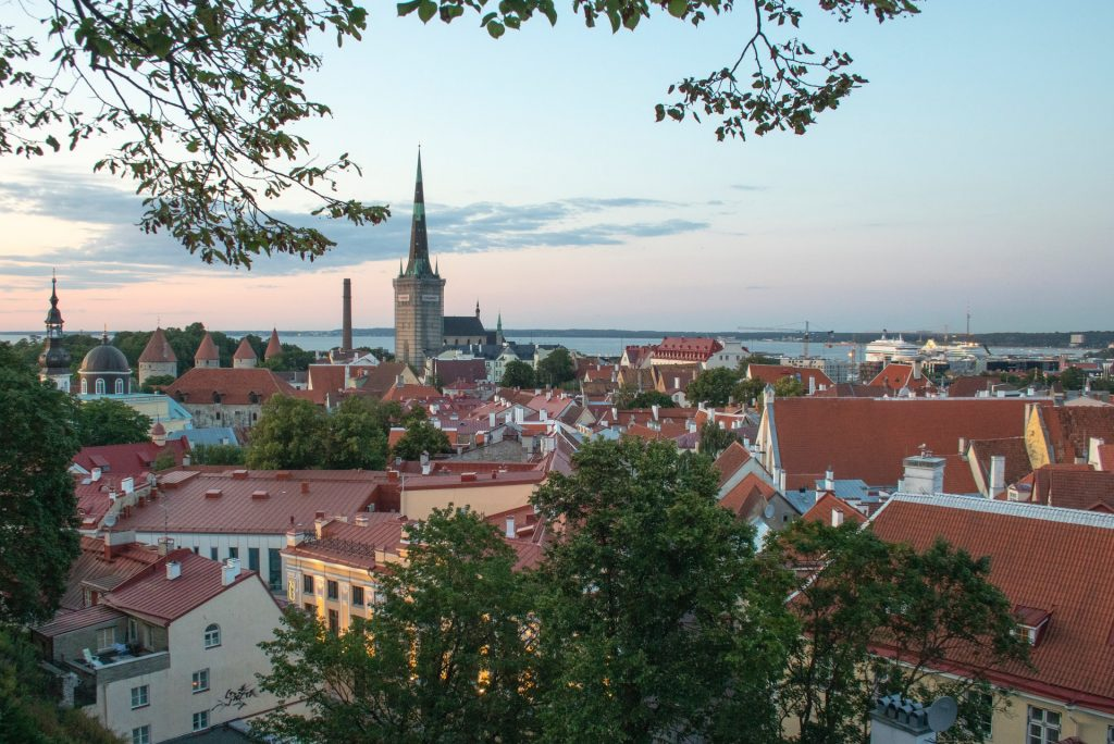Find out the European countries that are open and which require a COVID-19 test prior to arrival - Estonia