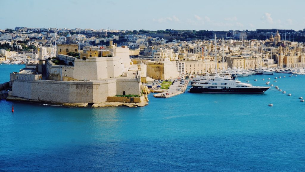 Find out the European countries that are open and which require a COVID-19 test prior to arrival - Valetta, Malta