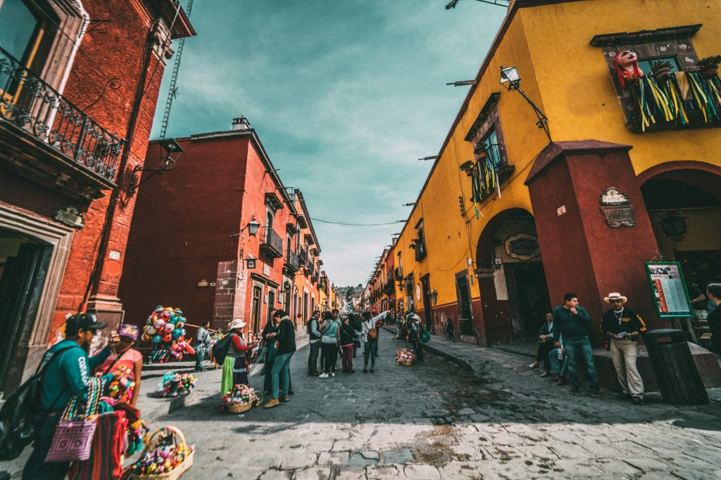 Find out which countries are open in the Americas - Mexico